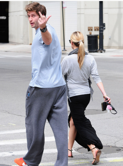 Jay Cutler saying fuck the paparazzi. TFM.