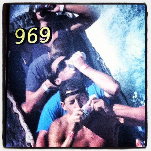 Shotgunning on the log ride. TFTC.