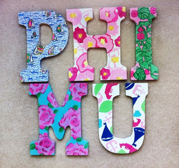 Summer crafting for my future little. TSM.